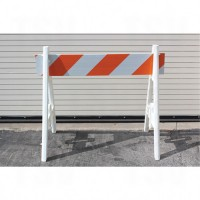 Traffic Barricades, Barriers & Lights